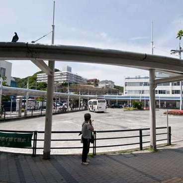 逗子駅前広場